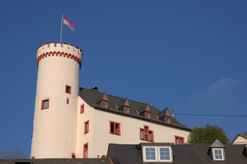 Lehnshaus (today rectory) with full tower